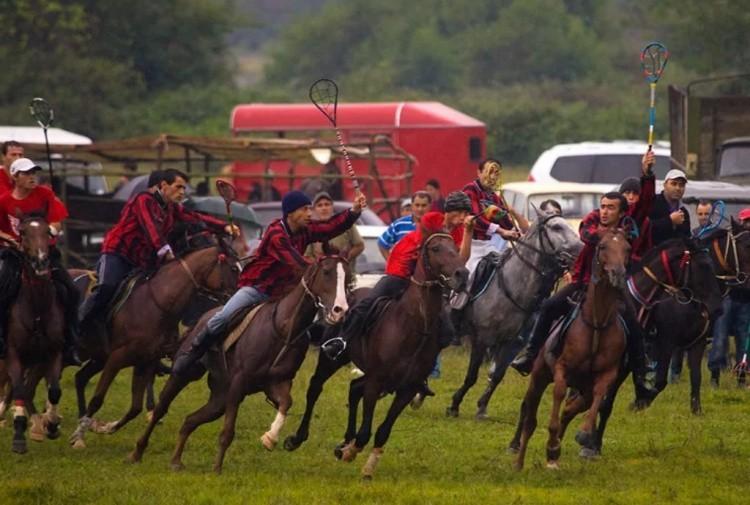 Цхен-бурти конная игра фото