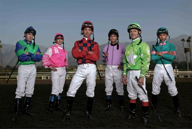 Одежда для скачек на лошадях