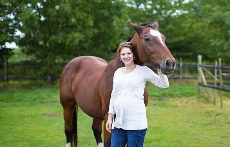 Можно ли беременной женщине кататься на лошадях