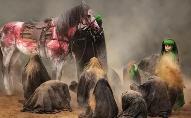 Подготовка лошадей к похоронам