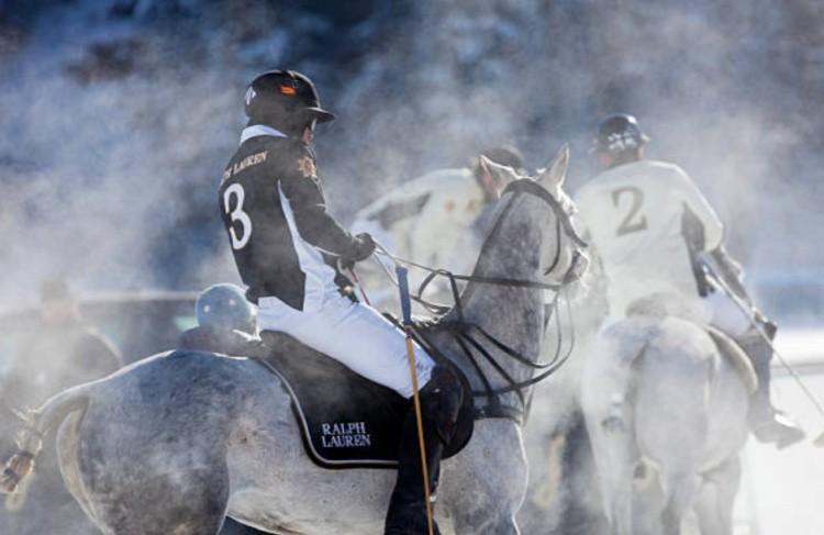 Игры на лошадях зима